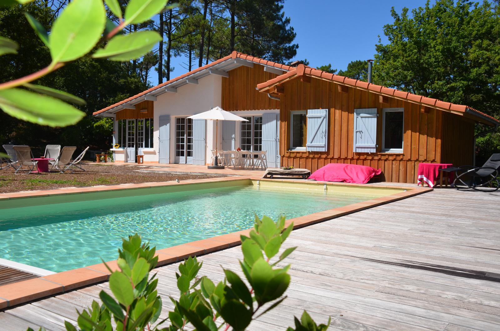 Offres locations vacances maisons et villas st julien en for Location villa avec piscine normandie